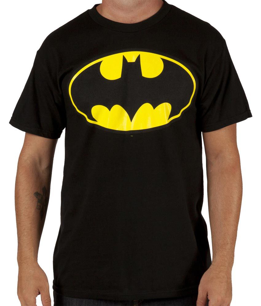 This shirt has a great look and cool fit. DC Comics Men's Batman Basic Logo.