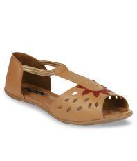 Studio 9 Beige Flat Sandals