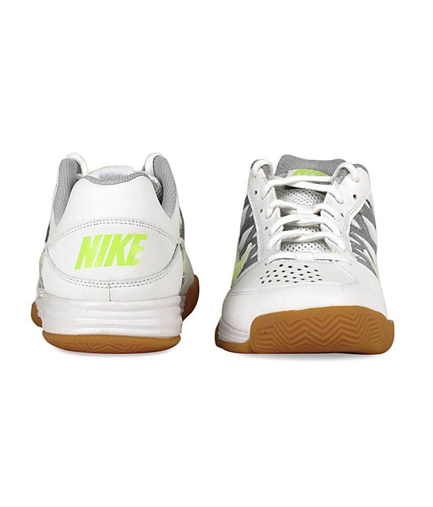 ... Nike White Badminton Sport Shoes ...