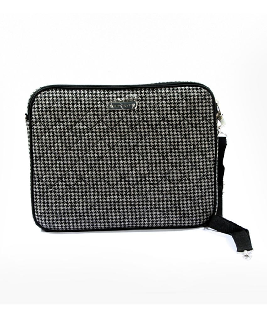 Classic Code Polyster Laptop Sleeve -black