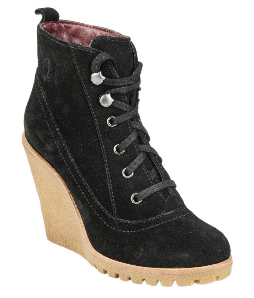 Delize Black Wedges Boots