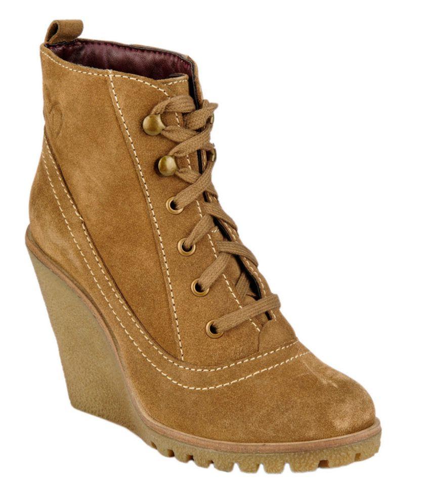 Delize Tan Wedges Boots