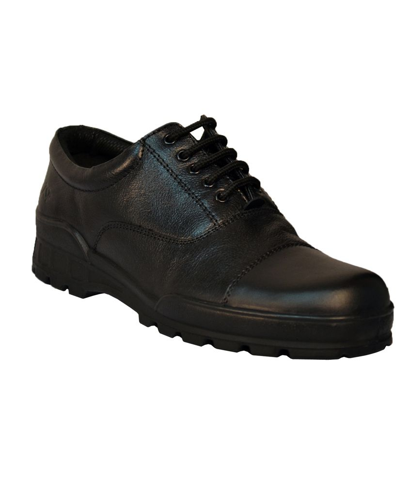 buy Men Formal Shoes. MEN'S FORMAL SHOES AT MYNTRA: A COMBINATION OF FASHION AND FUNCTIONALITY. Choose a pair of men's black formal shoes. Wear it with a casual shirt, a black knitted pullover, black skinny-fit jeans and a metal-strap analogue watch.