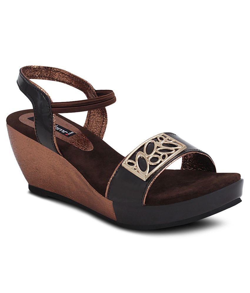 Get Glamr Brown Wedges Sandals