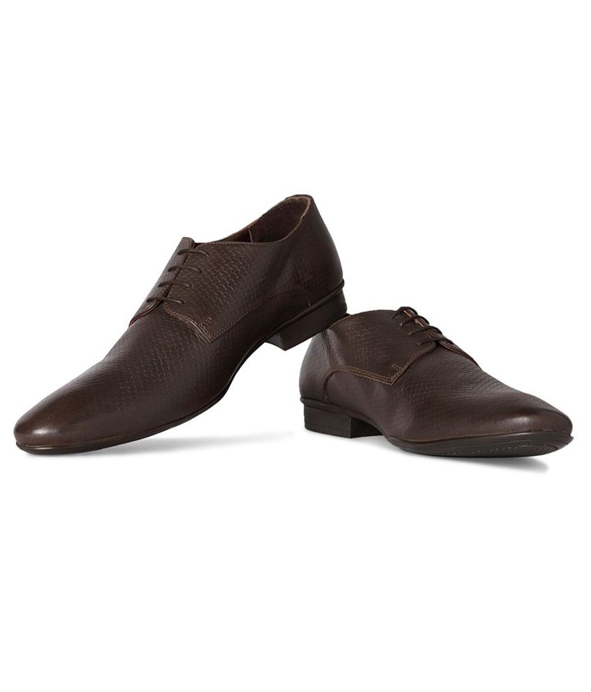 e8c1ede36a98 Van Heusen Brown Formal Shoes Price in India- Buy Van Heusen Brown Formal  Shoes Online at Snapdeal