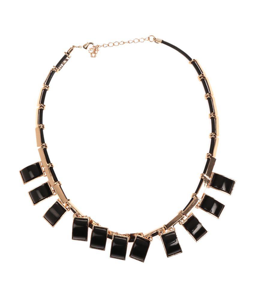 The Pari Black Square Design Necklace