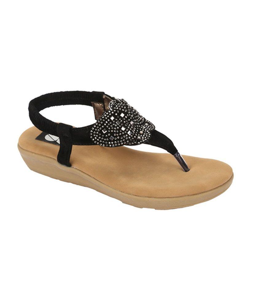 Gossip Black Flat Sandal