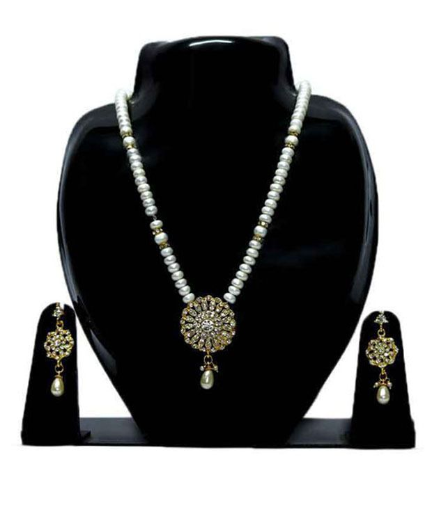 Bellastiles White Traditional Pearls Style Diva Pearl Stone Necklace Set