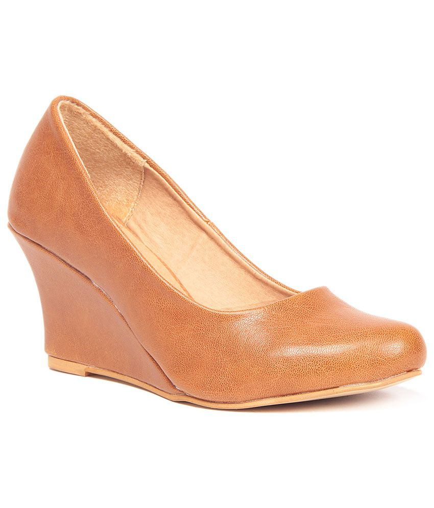 Ten Awesome Tan Wedges