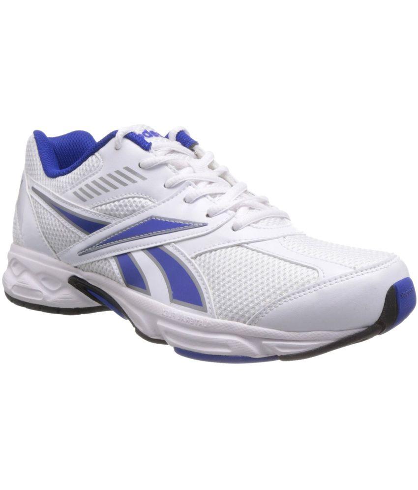 reebok maglie bianco in scarpe da ginnastica paio di 3 adidas.