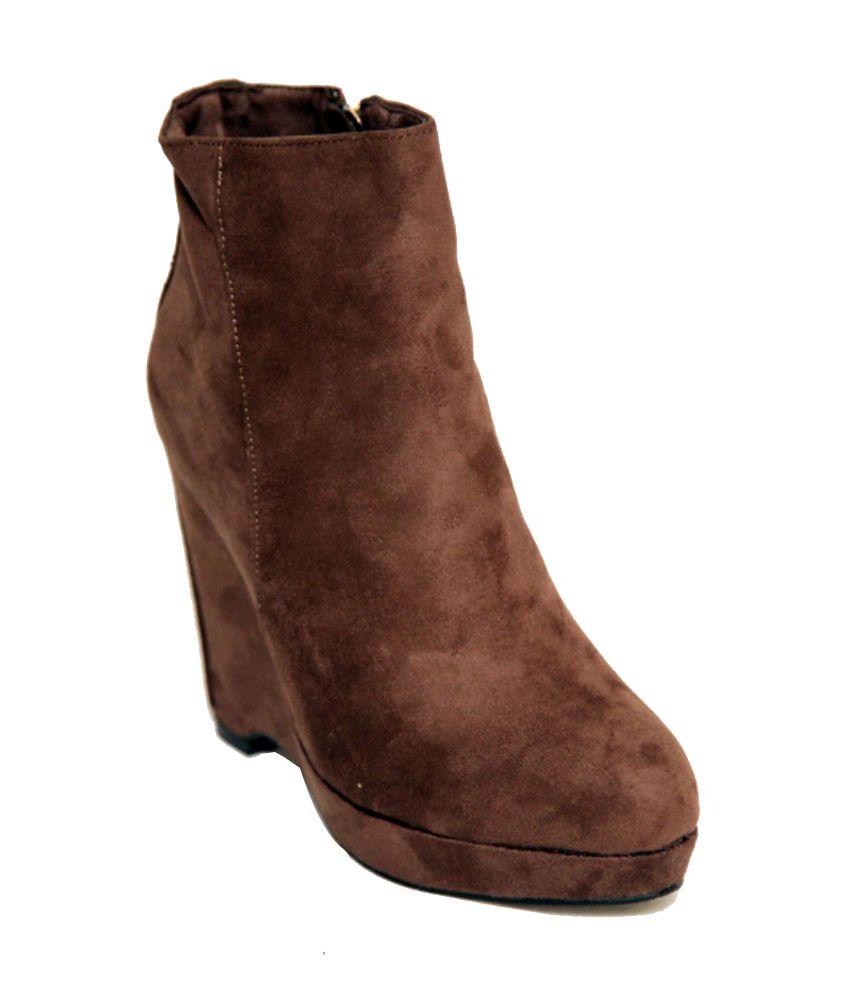 Season Footwear Brown Wedges Boots