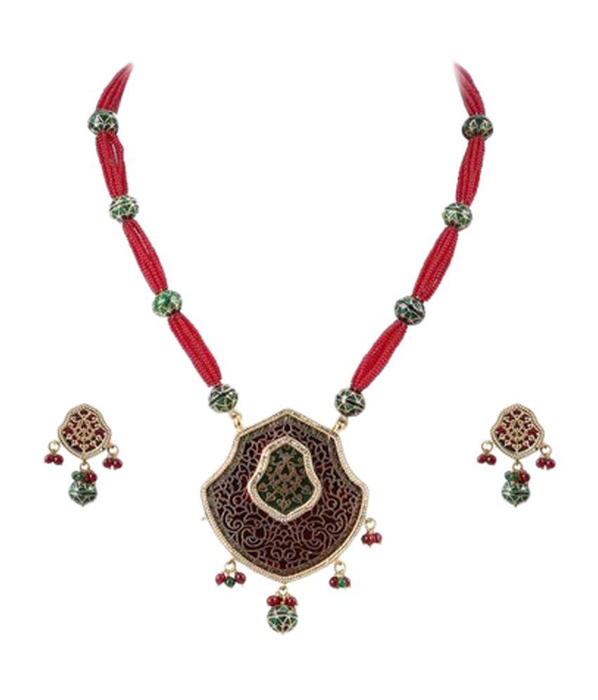 Vastradi Distinctive Thewa Necklace Set