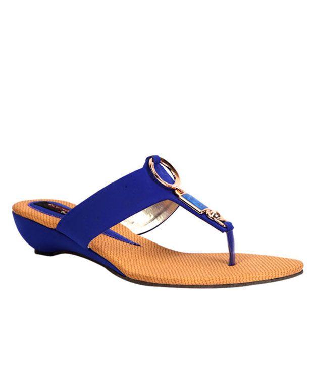 Trilokani Blue Low Heel Slippers