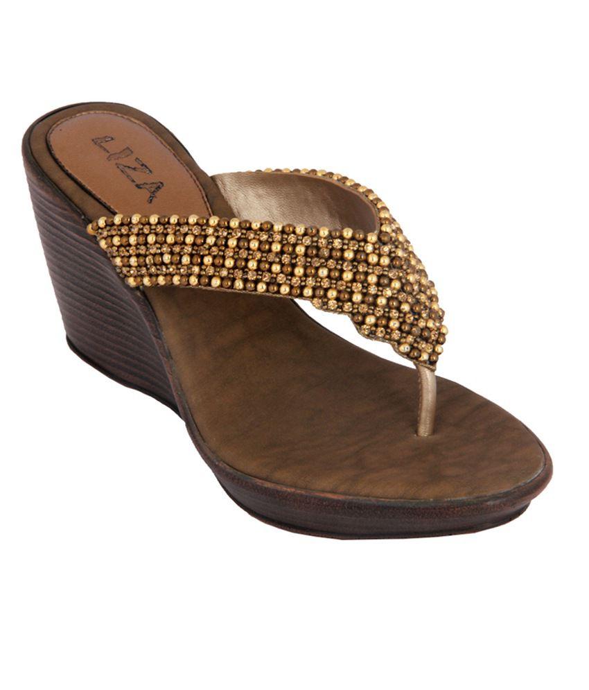 Liza Women's Antic Gold Synthetic Heeled Slip On