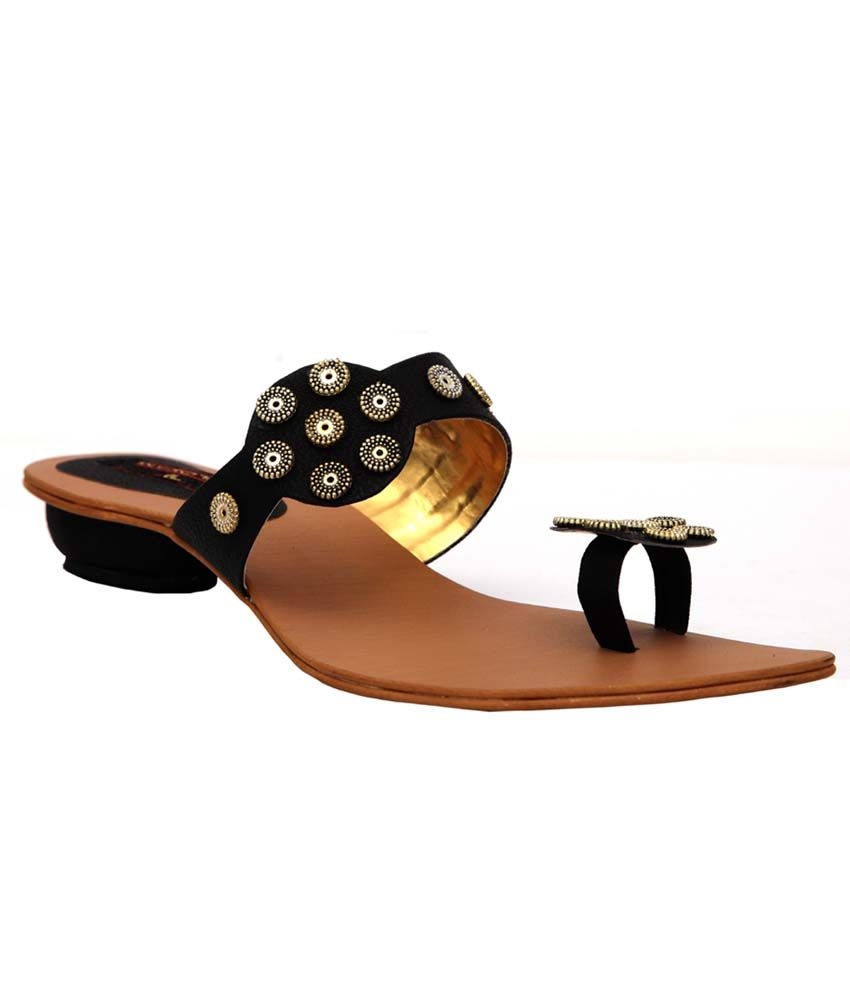 Trilokani Black Fancy Slipper For Women
