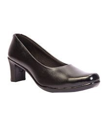Trilokani Black Formal Ballerinas For Women