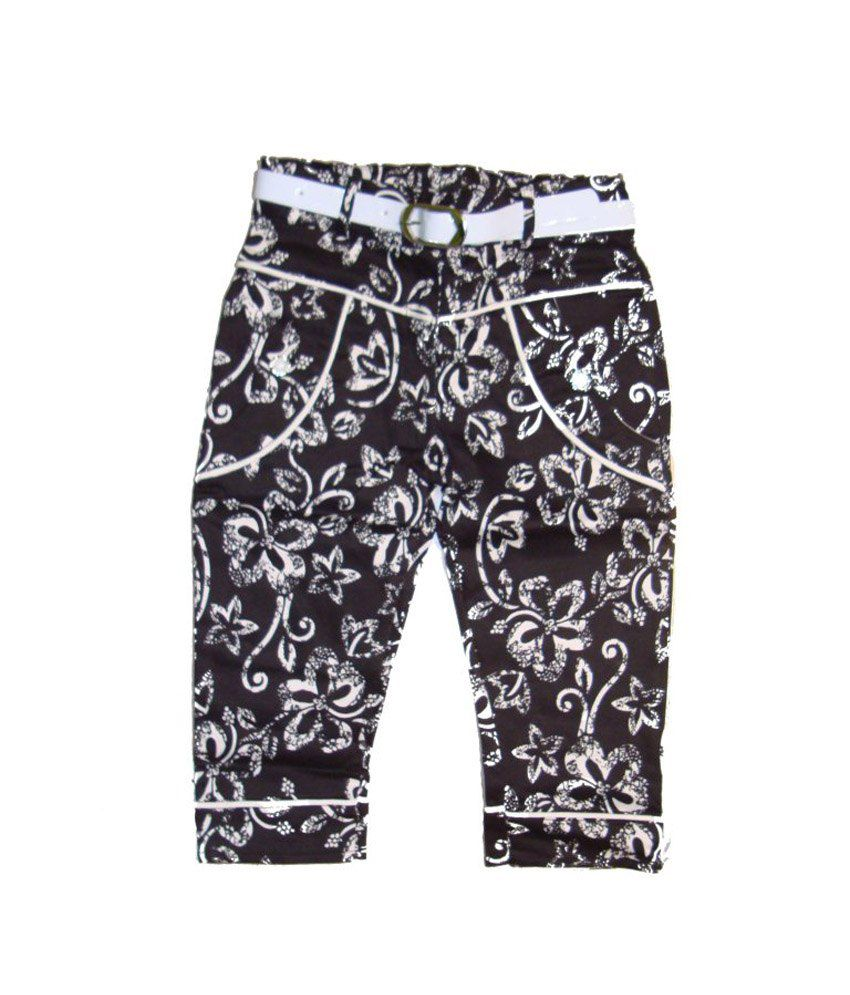 Bodingo Black Cotton Printed Capri