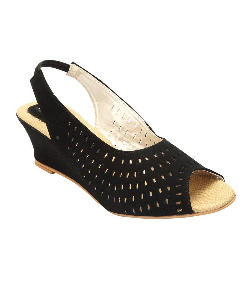 Savie Shoes Black Wedges Medium Heeled Sandals