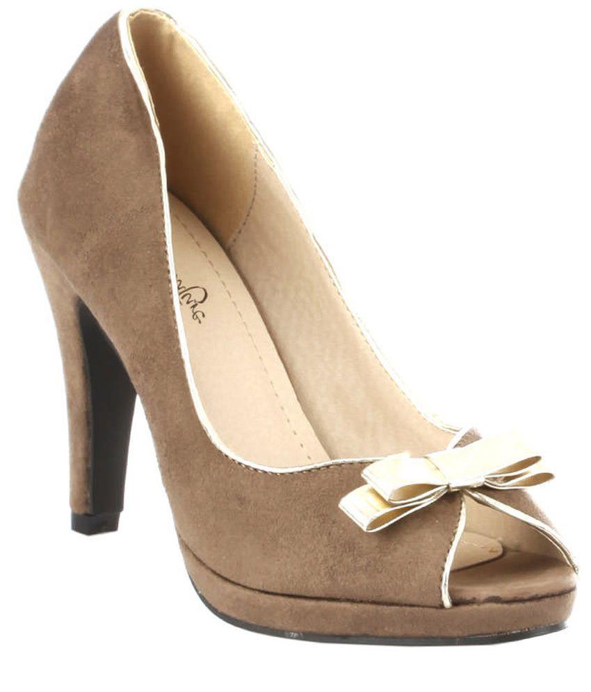 Vero Couture Khaki Stiletto Pumps