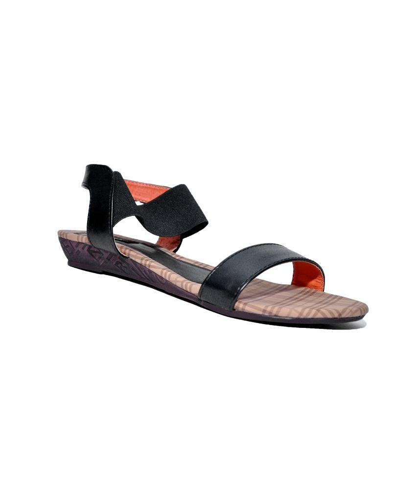 Trotters Black Flat Sandal For Women