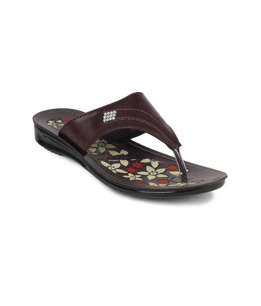 11e Brown Low Heel Slippers