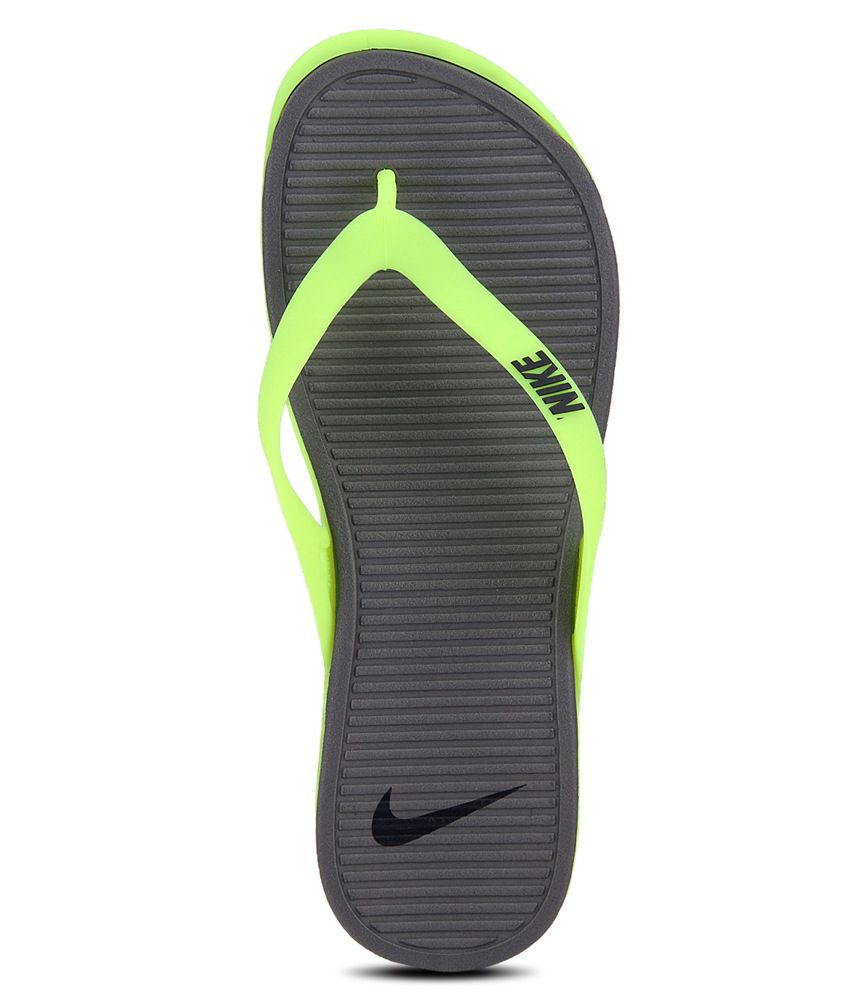 outlet store sale bbb44 9ee18 Nike Matira Thong Slippers