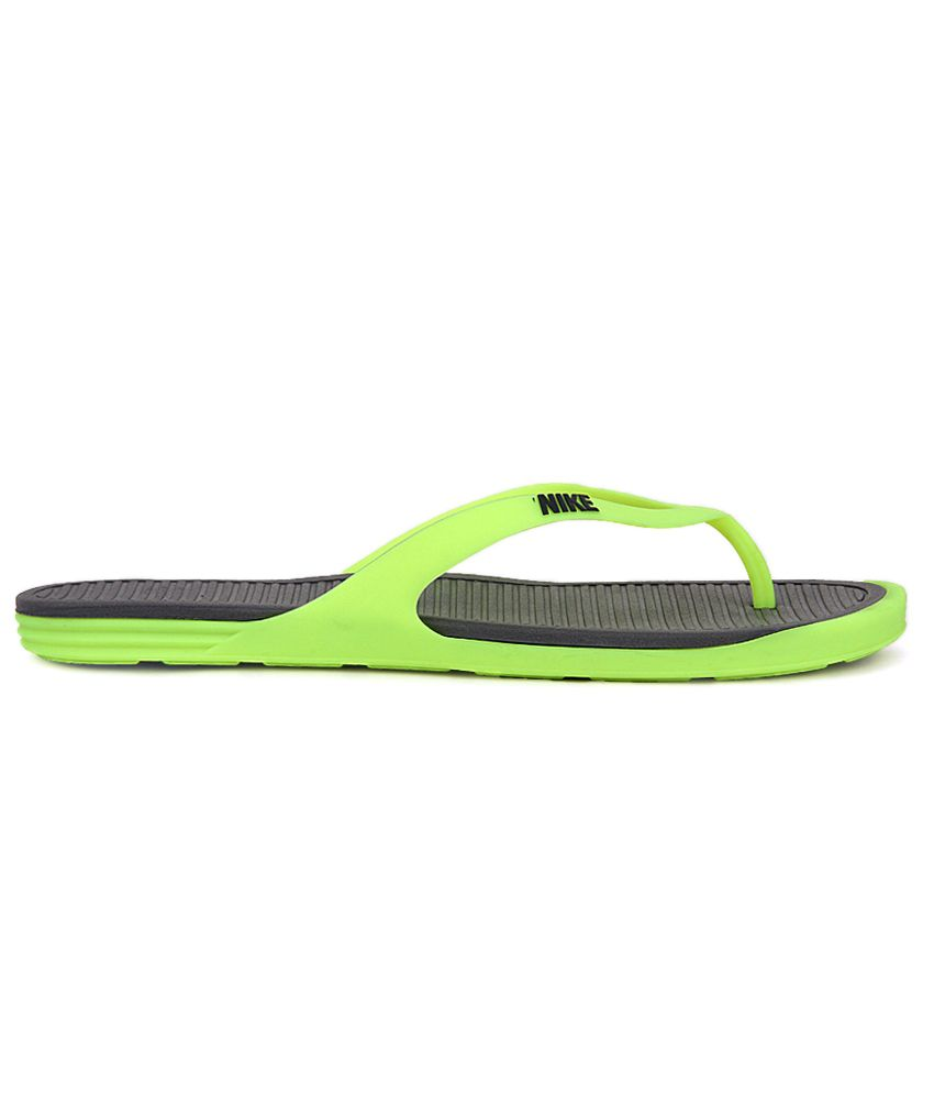 7c724149d38 Nike Matira Thong Slippers Price in India- Buy Nike Matira Thong ...