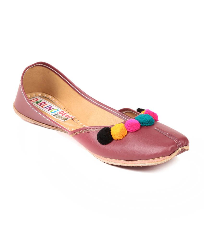 Darling Deals Maroon Faux Leather Round Toe Jutti