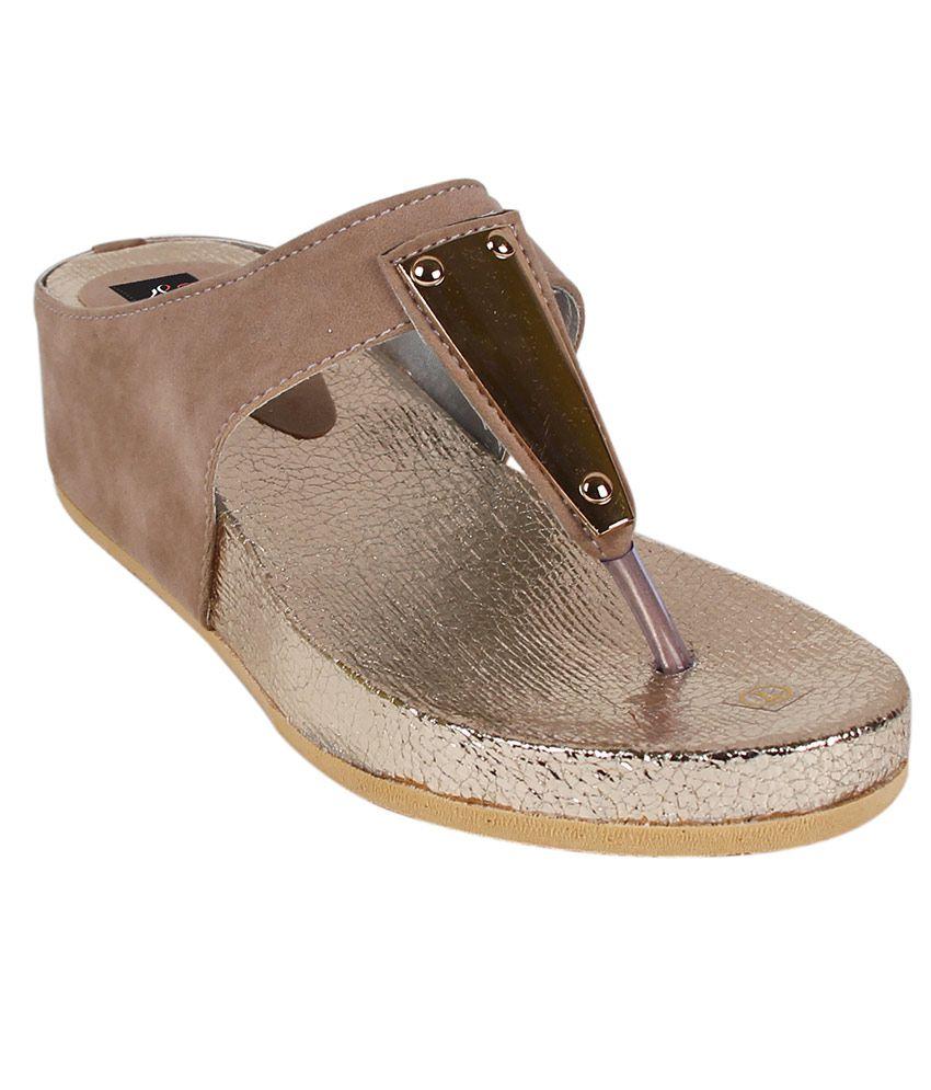 Classy Feet Brown Platforms Heels