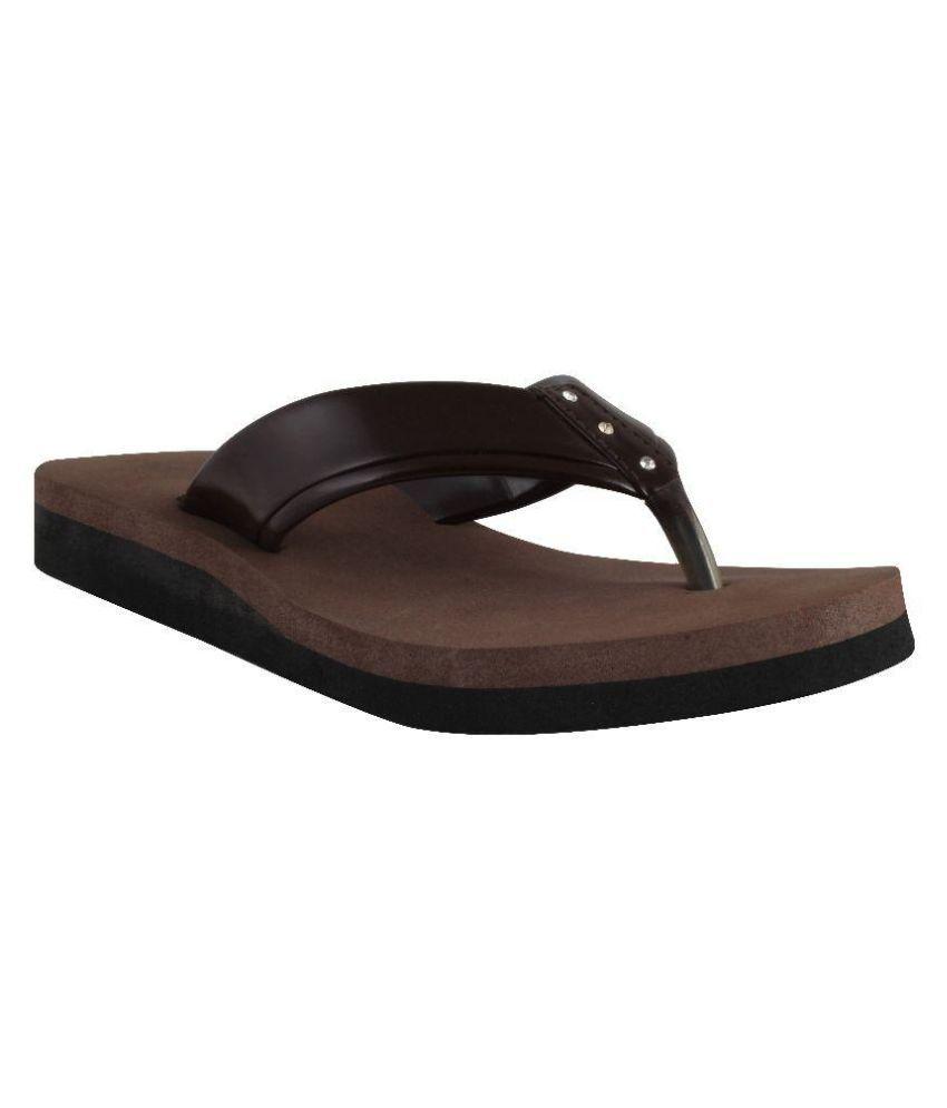 Yaari Brown Slippers