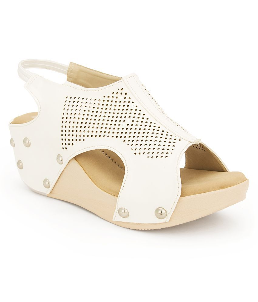 Feet N Knots White Wedges Heels
