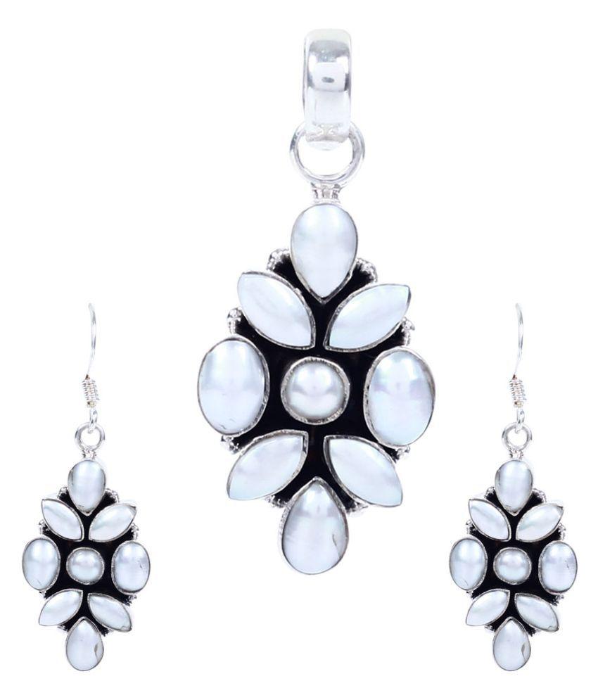 Silverwala 92.5 Silver Pearl Necklace Set