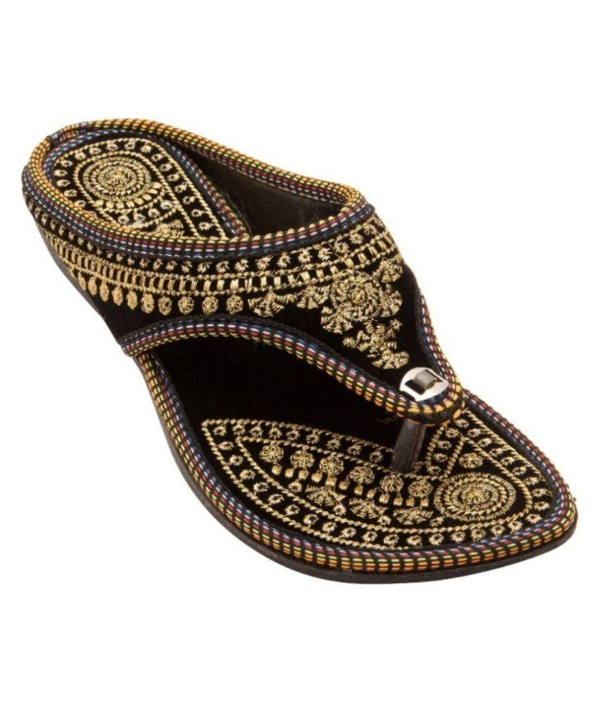 Vinayak Collection Black Flats