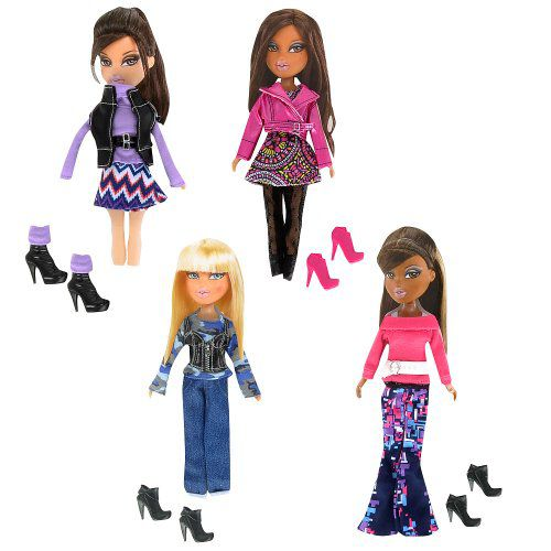 3bac3726ce42 Exclusive Bratz So Stylish 4 Piece Fashion Pack available at SnapDeal for  Rs.5454