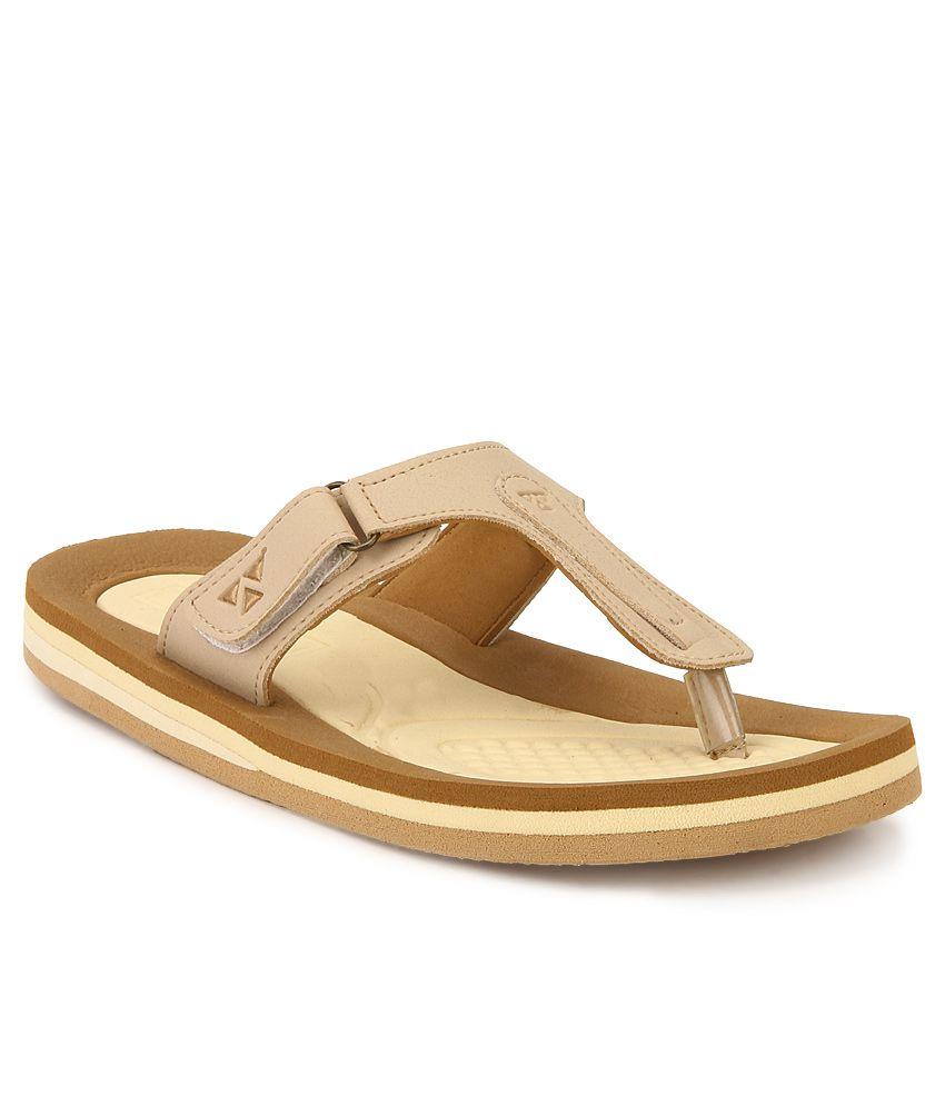 Windwalker Pinho Beige & Brown Slippers