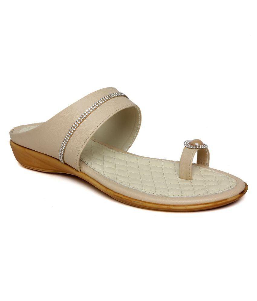Bharat Shoe Store White Flat Flats
