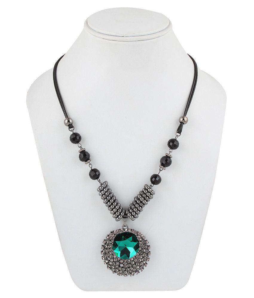 Snyter Green Contemporary Alloy Made Necklace
