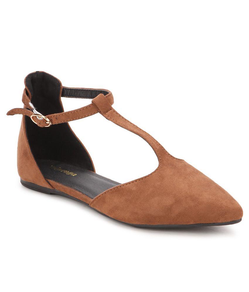 Solovoga Brown Flat Sandals