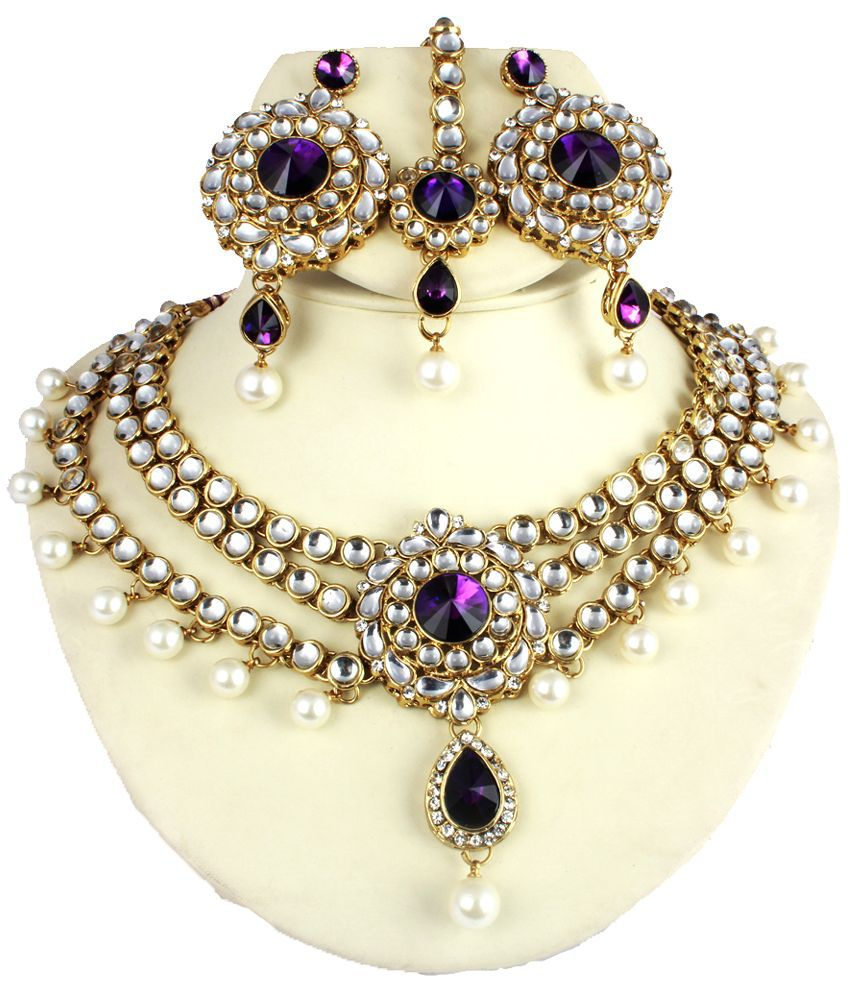 Zaverie White And Purple Kundan Necklace Set With Maang Tika