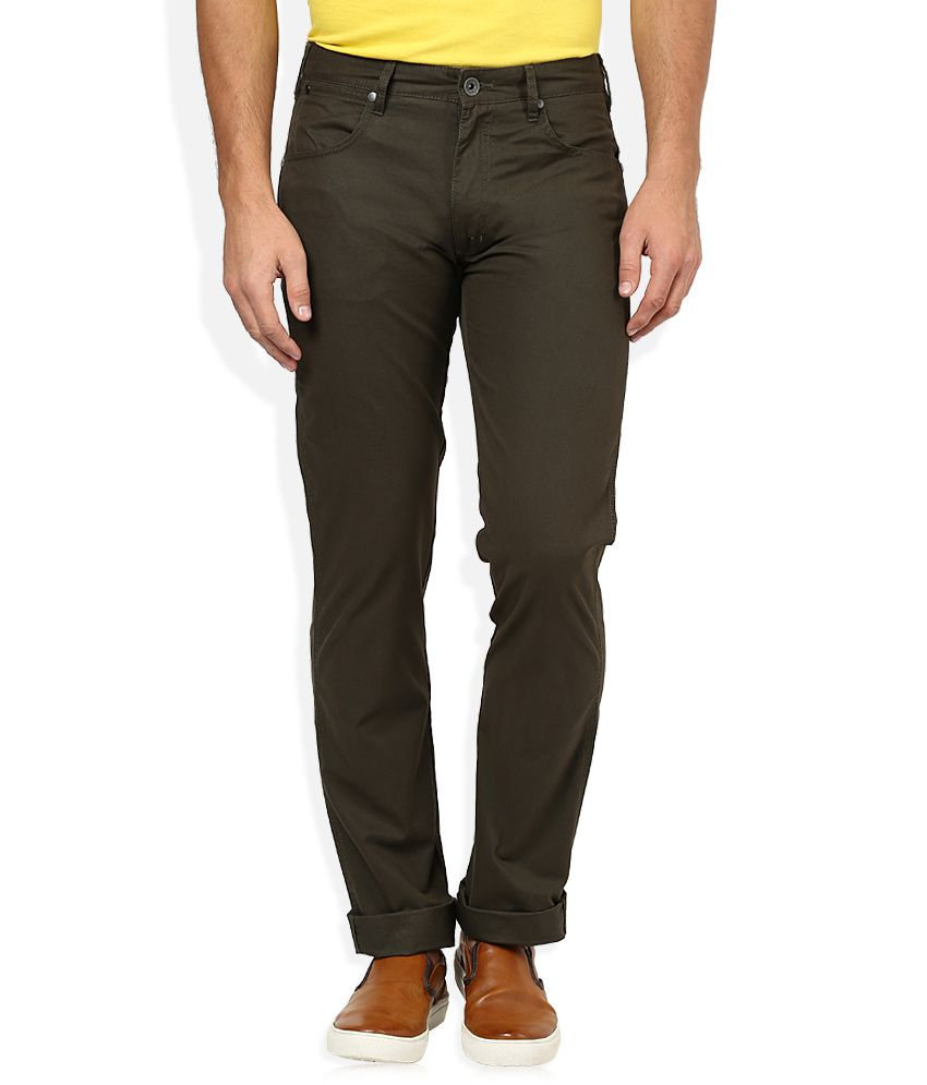 Wrangler Brown Regular Fit Traveler Chinos