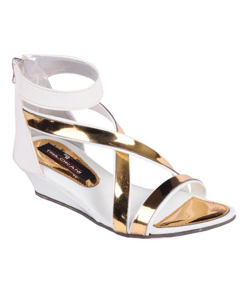 Trilokani White Sandals For Girls
