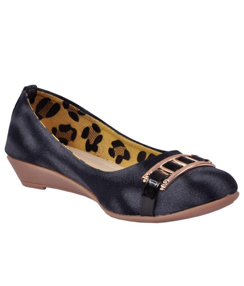 Glossy Gray Wedge Heels