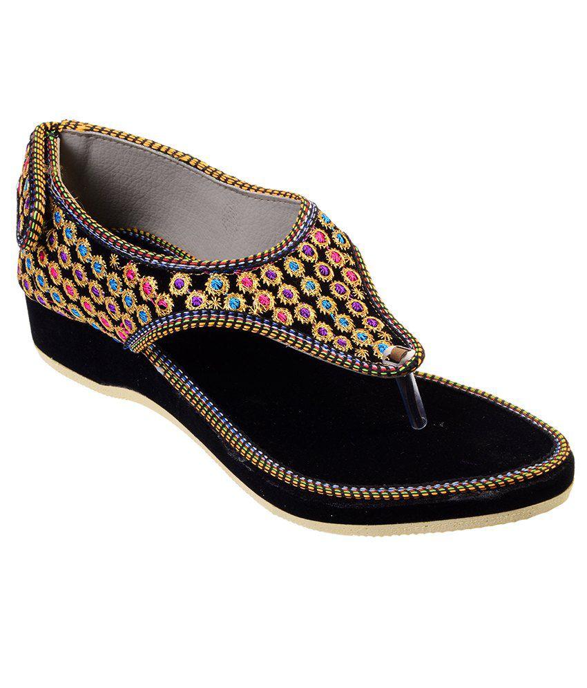 Admirai Black Sandals