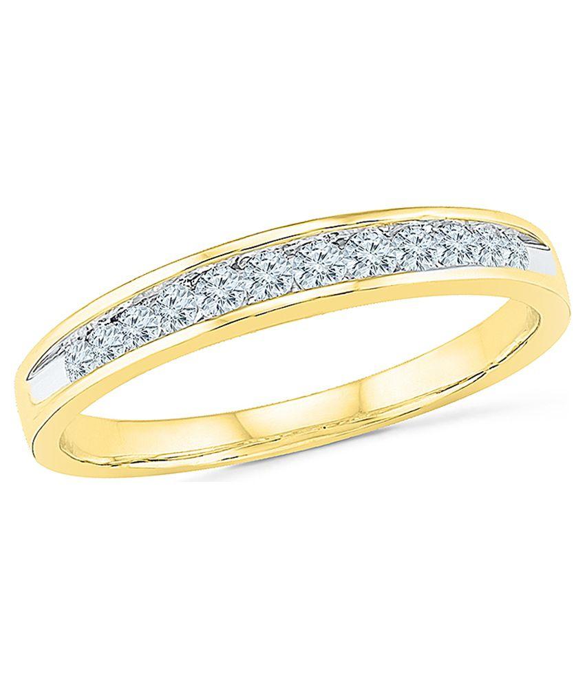 Radiant Bay's Classic Luxury Diamond Ring in 14k Yellow Gold (Diamond Quality VS-GH)