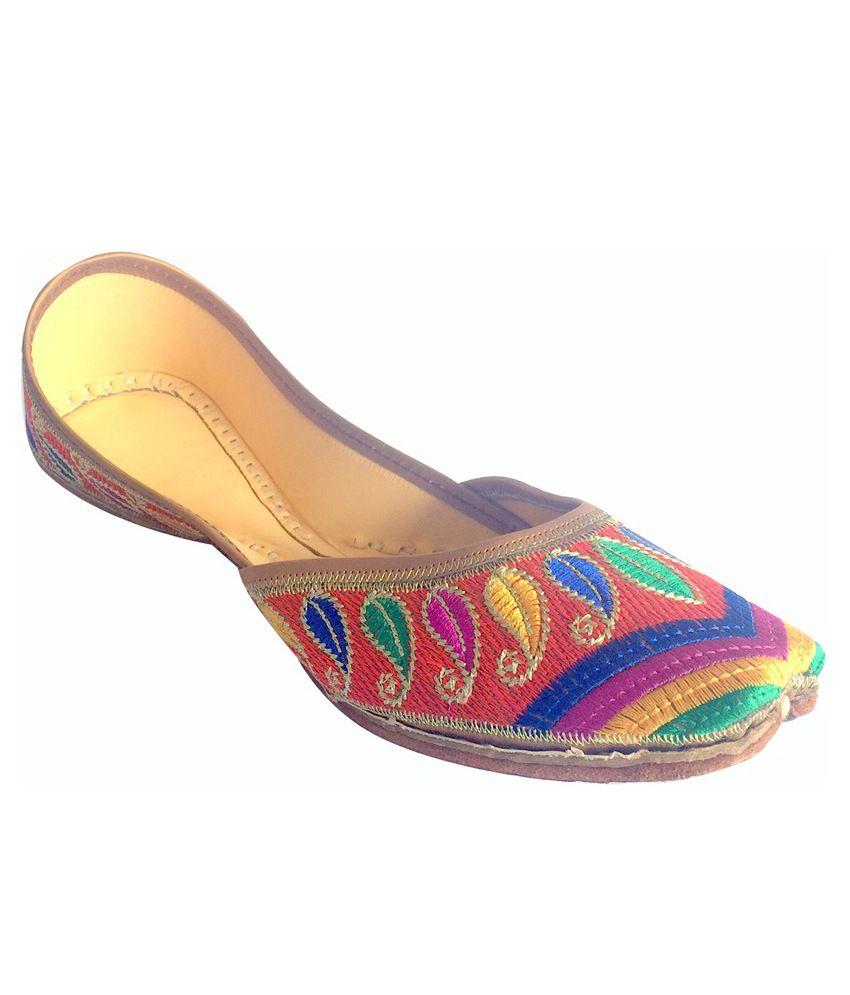 Step N Style Multicolour Juttis