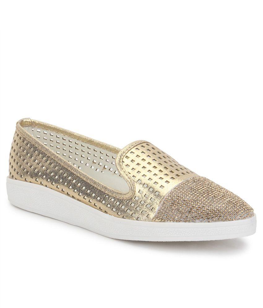 Carlton Women Shoes