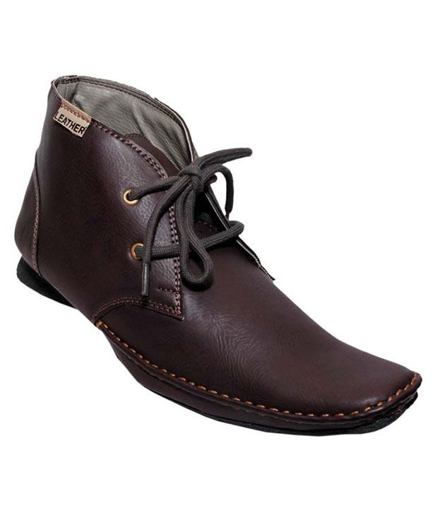 Wella's Brown Boots