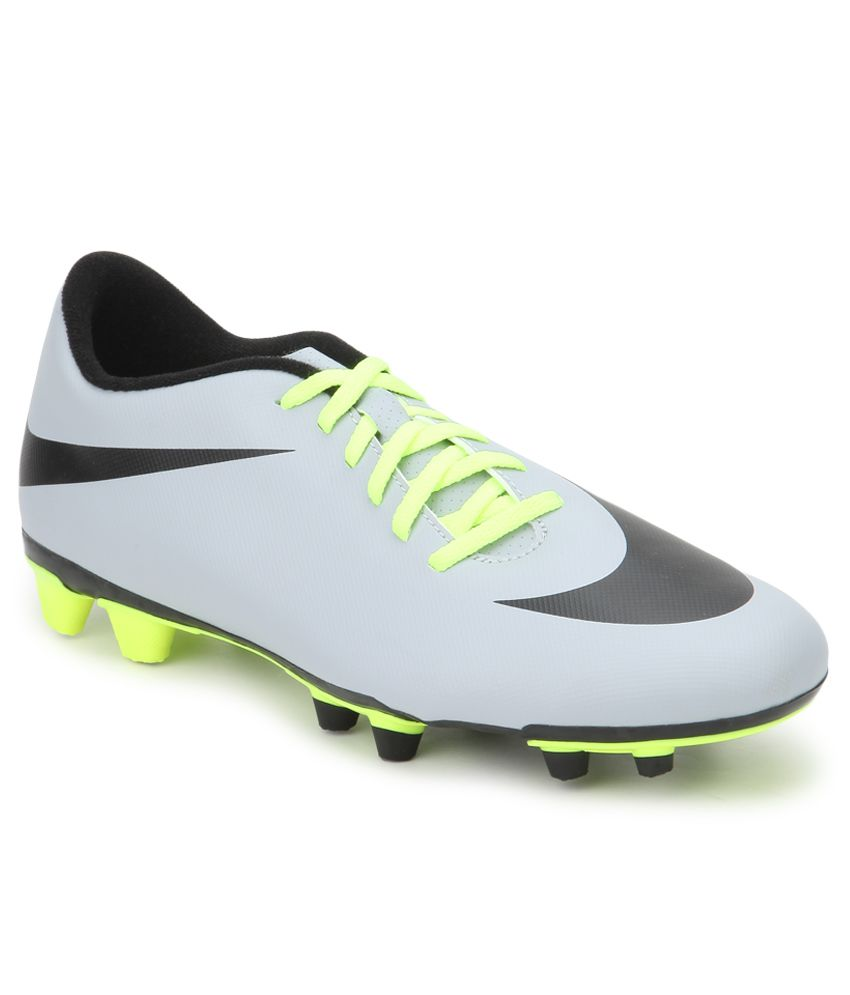 36fa420d4 Nike Bravata Fg Gray Sport Shoes - Buy Nike Bravata Fg Gray Sport Shoes  Online at Best Prices in India on Snapdeal