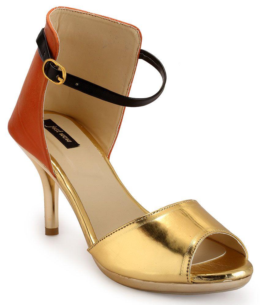 Just Wow Golden Kitten Heels