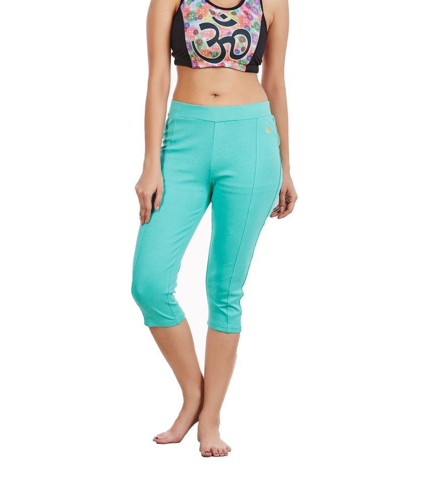 Foreveryoga Mint Regular Fit Capri Leggings - Green